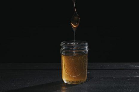 كيفية تمييز العسل الطبيعي من العسل المغشوش