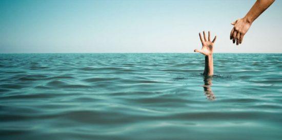تفسير الغرق في الحلم للمرأة والرجل لعرض الدلالات المختلفة